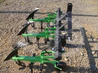 Cultivator with 3 hoe units, with hiller, Komondor SK3 (1)