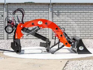 Front loader for Kubota A-15 Japanese compact tractors, Komondor PHR-250A-15 (1)