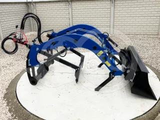 Front loader for Solis 26 tractors (1)