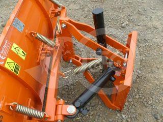 Snow plow 140cm, hidraulic lifting, hidraulic angle adjustment, for Japanese compact tractors, Komondor STLRH-140 (3)