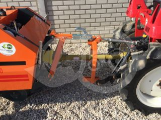 Universal towing device for round baler Komondor RKB-850/870  (1)