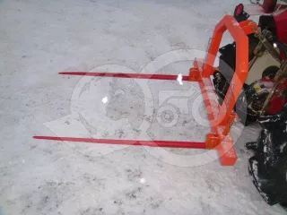 Pallet fork with bale spear for Japanese compact tractors, Komondor RVBT-300 (1)