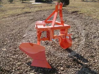 Plow with 1 head, for 10-16HP Japanese compact tractors, Komondor SE-1 (1)
