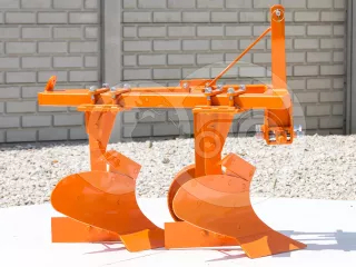 Plow with 2 heads, for 16-23HP Japanese compact tractors, Komondor SE-2 (1)