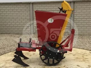 Potato planter for 1 line, for Japanese compact tractors, Polish (1)