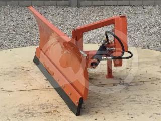 Snow plow 140cm, hidraulic lifting, manual angle adjustment, for front hitch, Komondor STLRH-140/F (1)