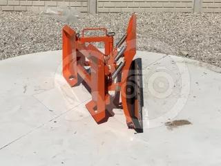 Snow plow 140cm, hidraulic lifting, manual angle adjustment, for skid steer loaders, Komondor STLR-140/B kf (1)
