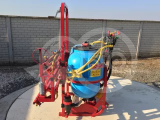 Sprayer (Mounted, 200 litres, 6m, for fields) (1)