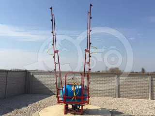 Sprayer (Mounted, 300 Liters) with unversal frame (1)