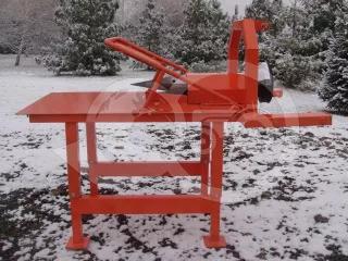 Wood screw splitter for Japanese compact tractors, Komondor RH-400 (1)